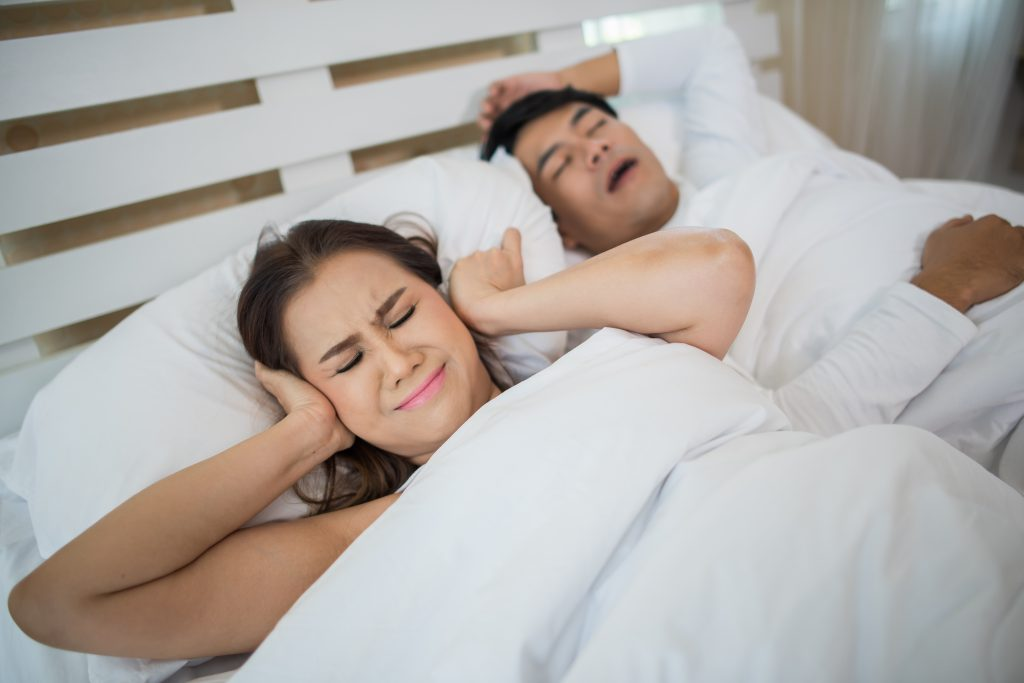 Como parar de roncar 4 dicas para resolver